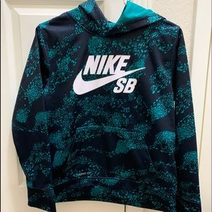 Boys Large Nike Hoodie! Excellent condition.